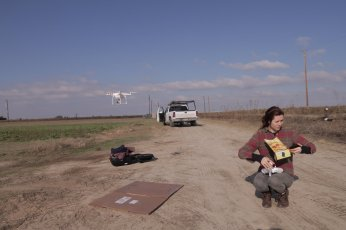 drone_flying_in_the_field